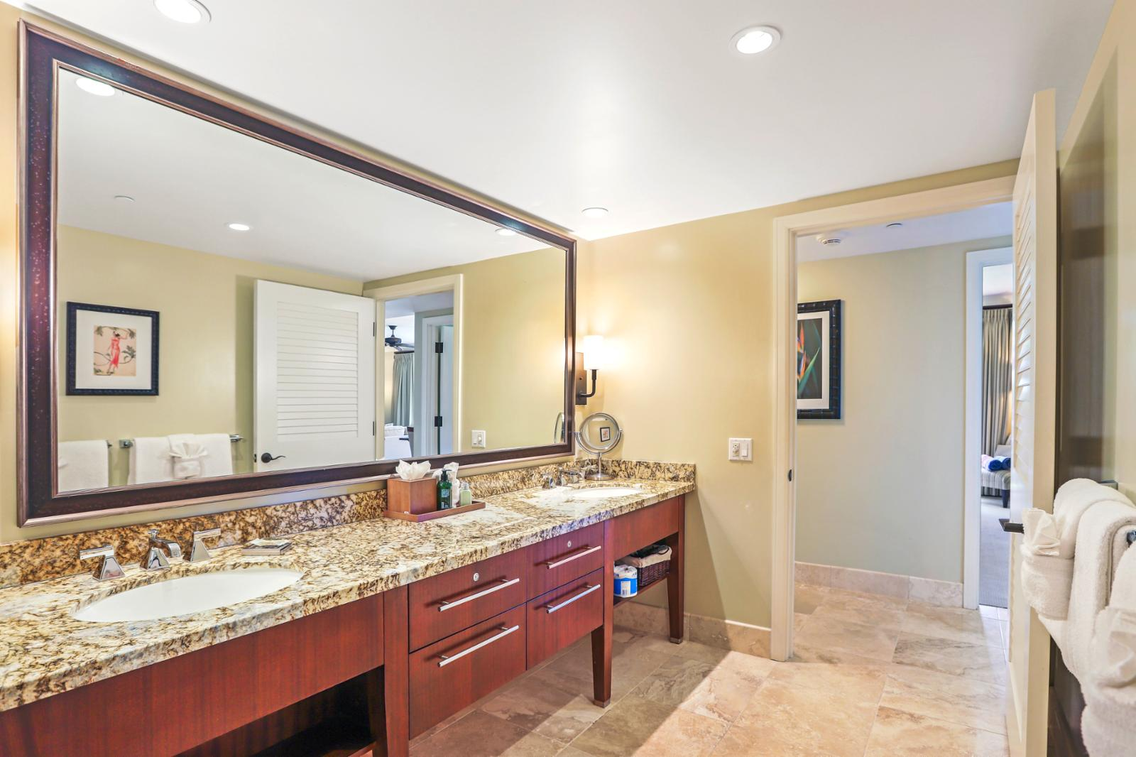 Large guest bathroom with premium lighting