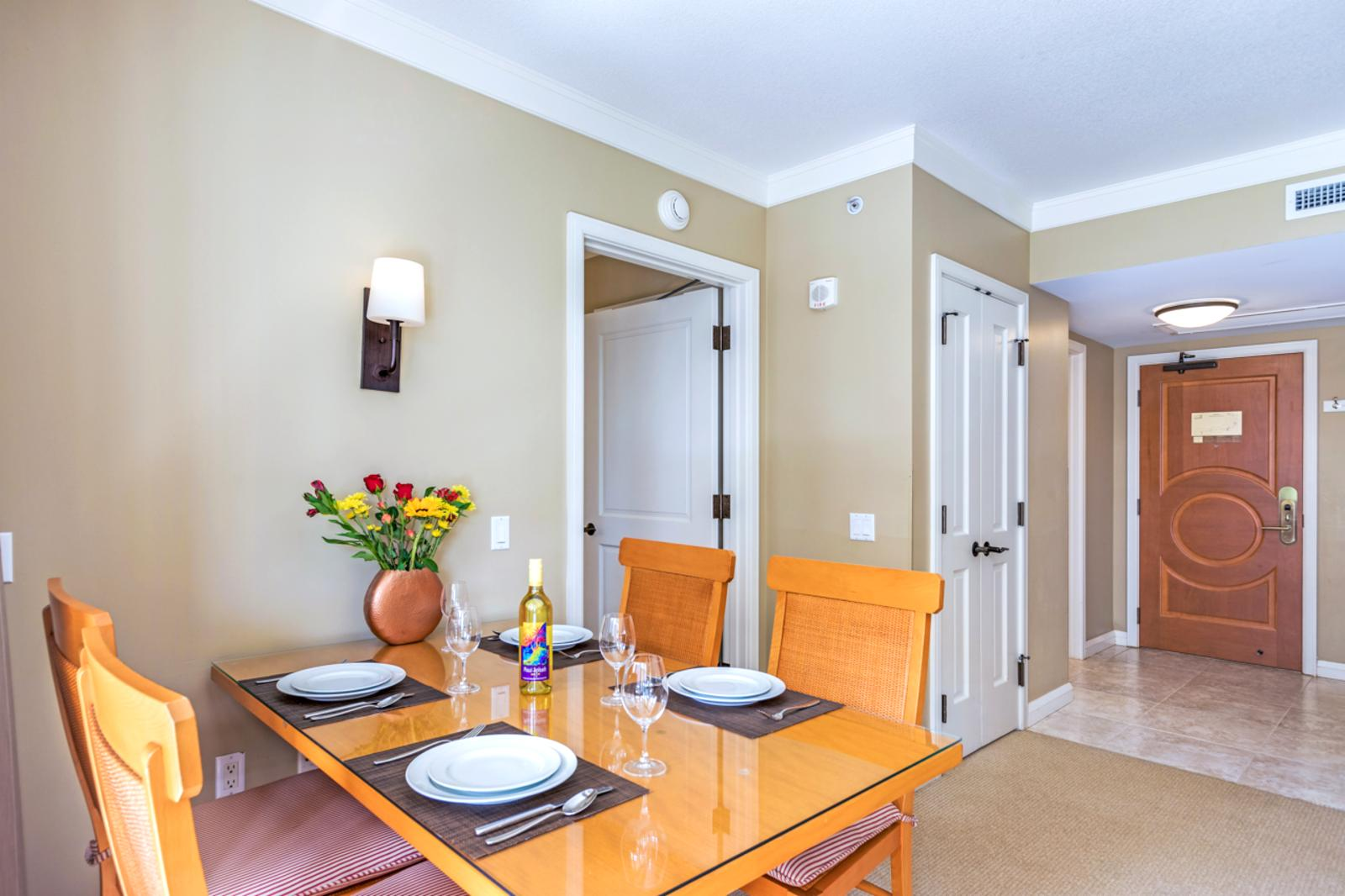 Formal dining seating for (4)