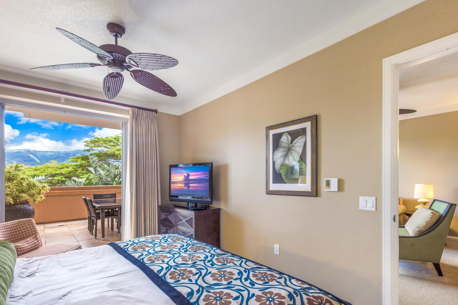 Cool West Maui Mountain breezes throughout this suite!