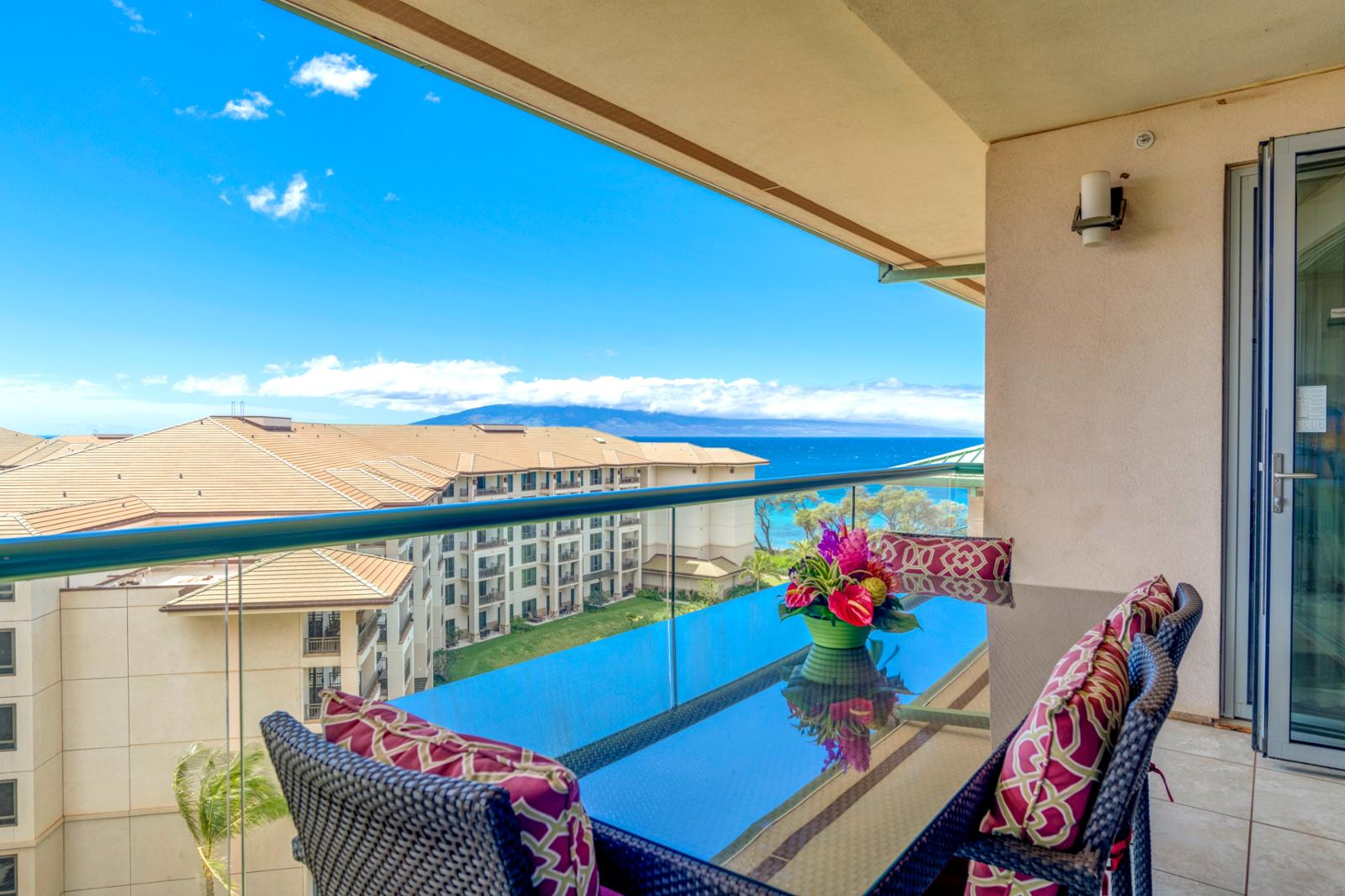 Aqua Marine views and the island of Lanai back drop!