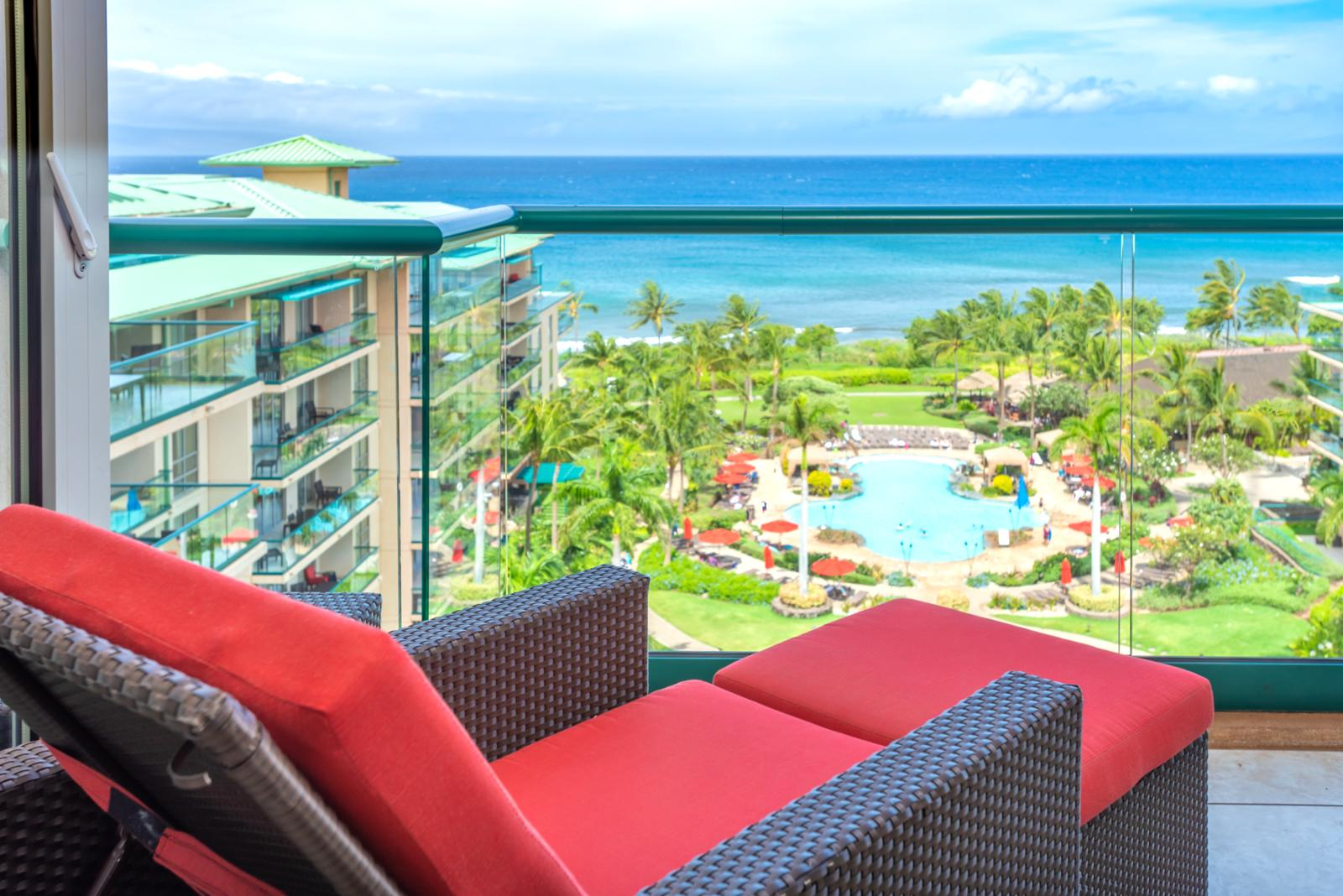 Beautiful ocean views - center of it all! Welcome to Honua Kai Hokulani Tower 925!