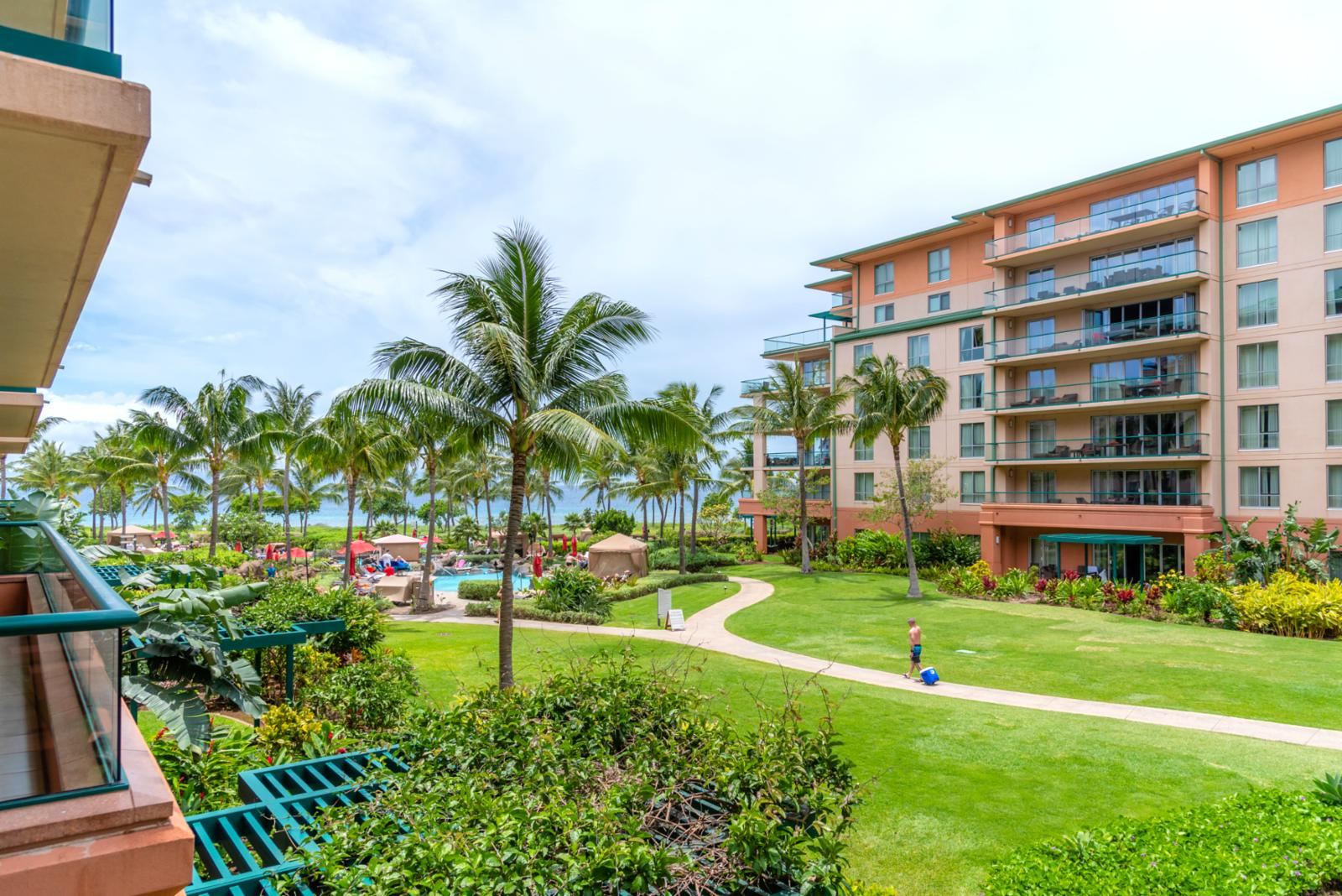 Large grounds perfect for walking to the beach and family activities!