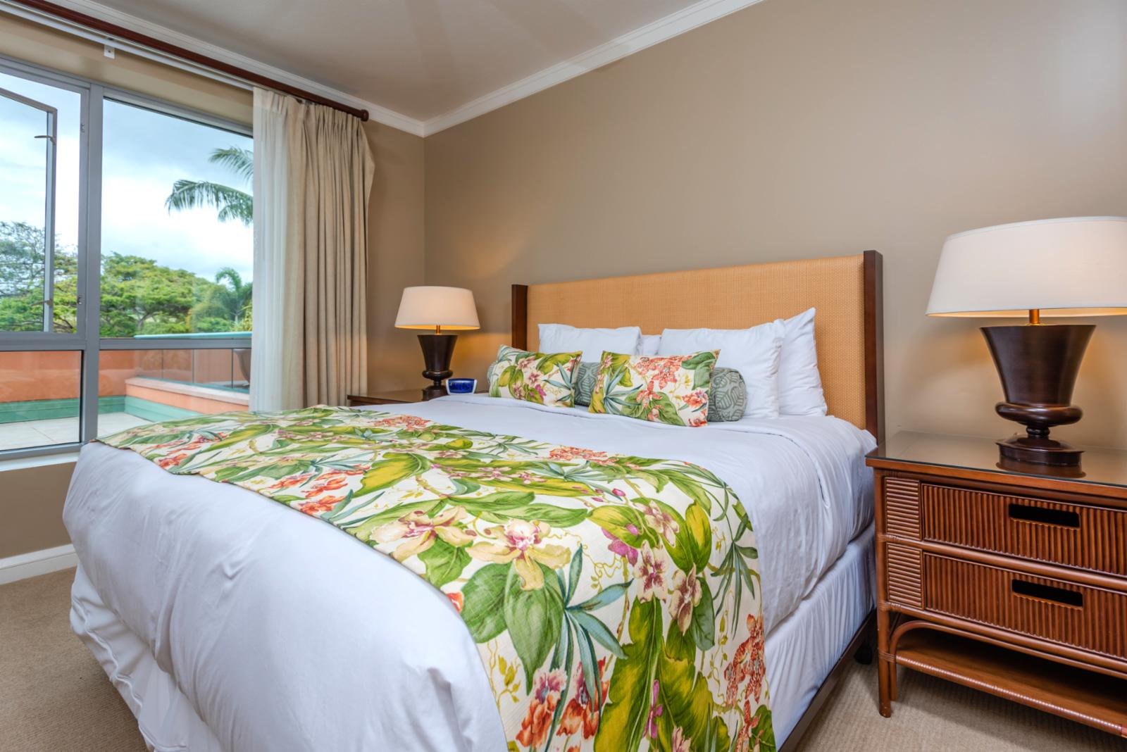 Large bright guest suite with beautiful views and breezes!
