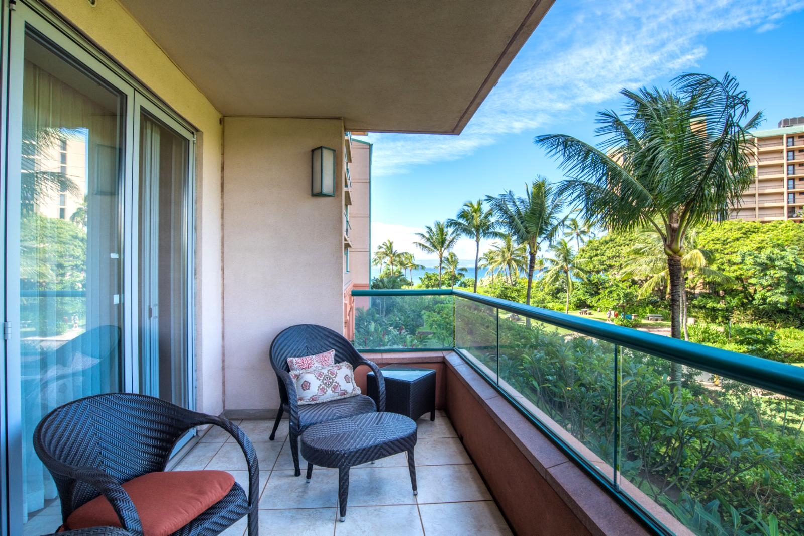 Ample space and upgrade lanai furniture