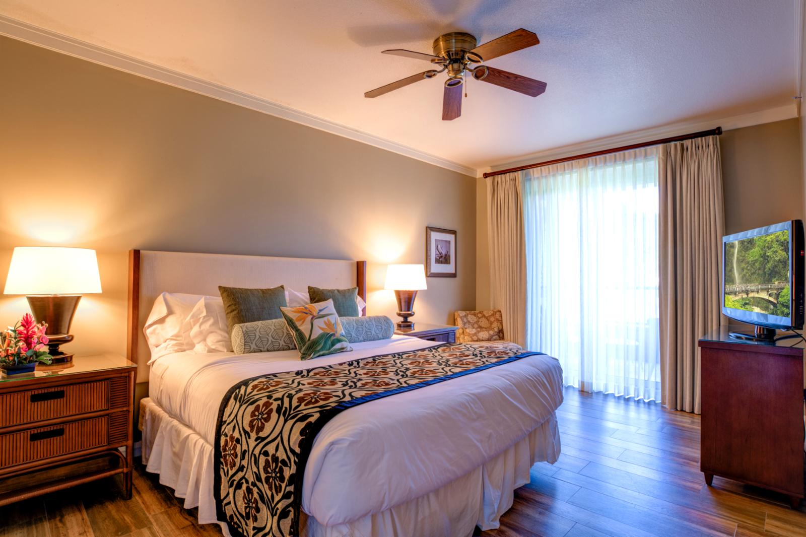 LARGE comfortable master suite with private balcony access