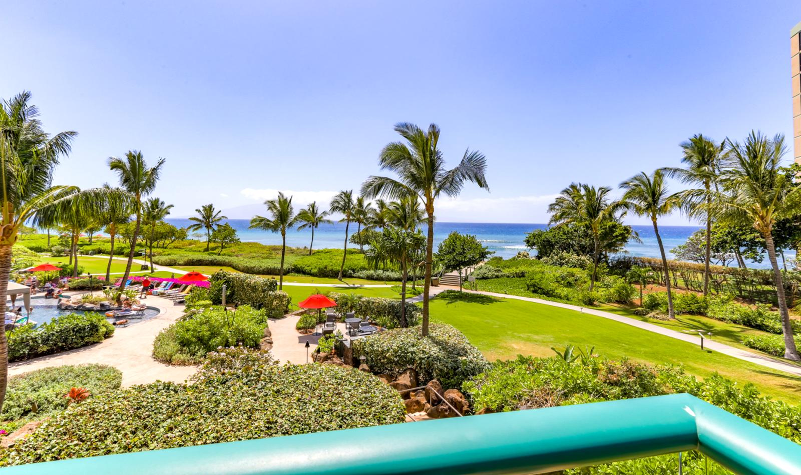Ocean front living. Listen to the waves just out front on Kaanapali Beach.
