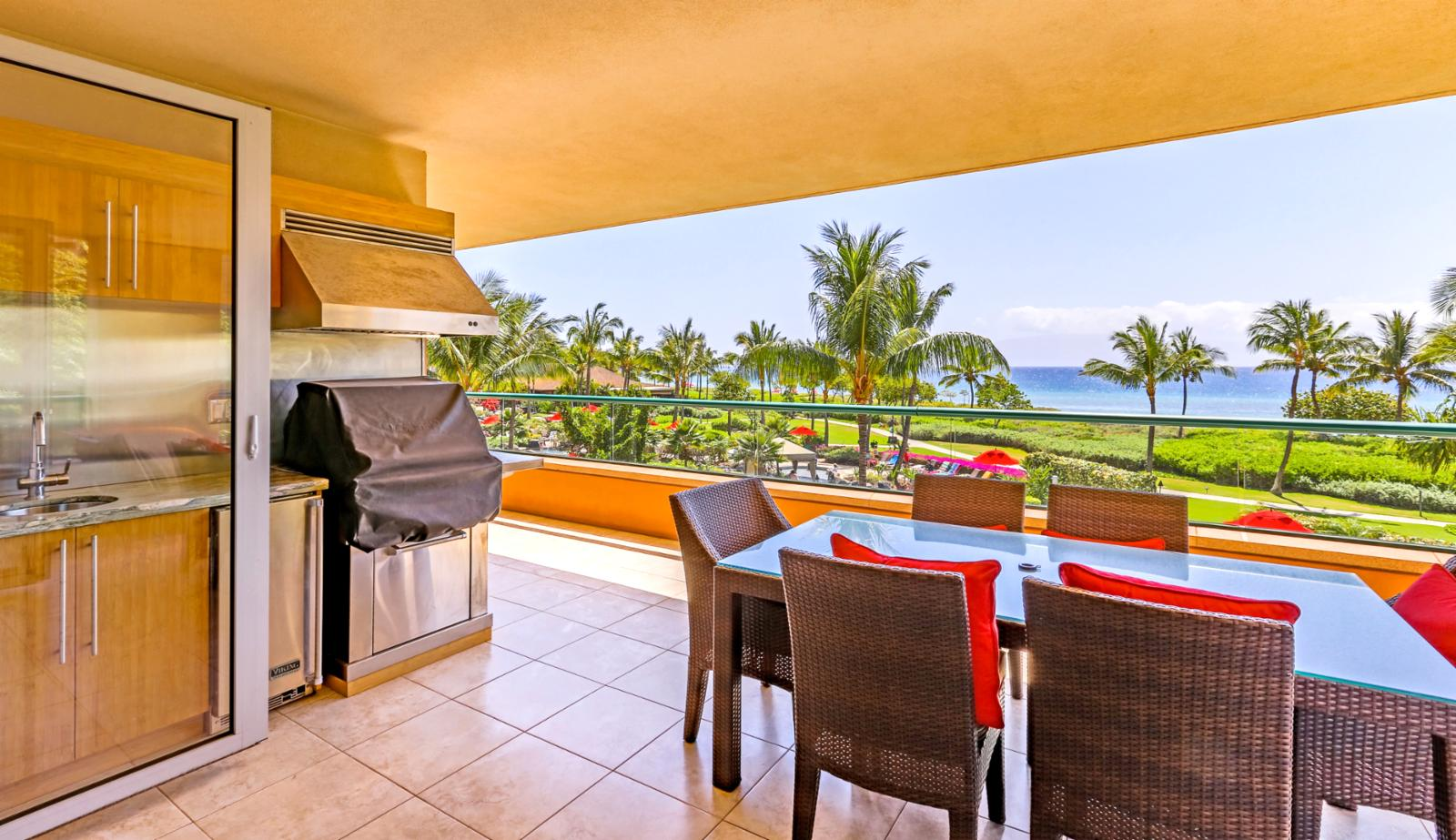 Great view with an outdoor Viking BBQ on the lanai for you to enjoy.