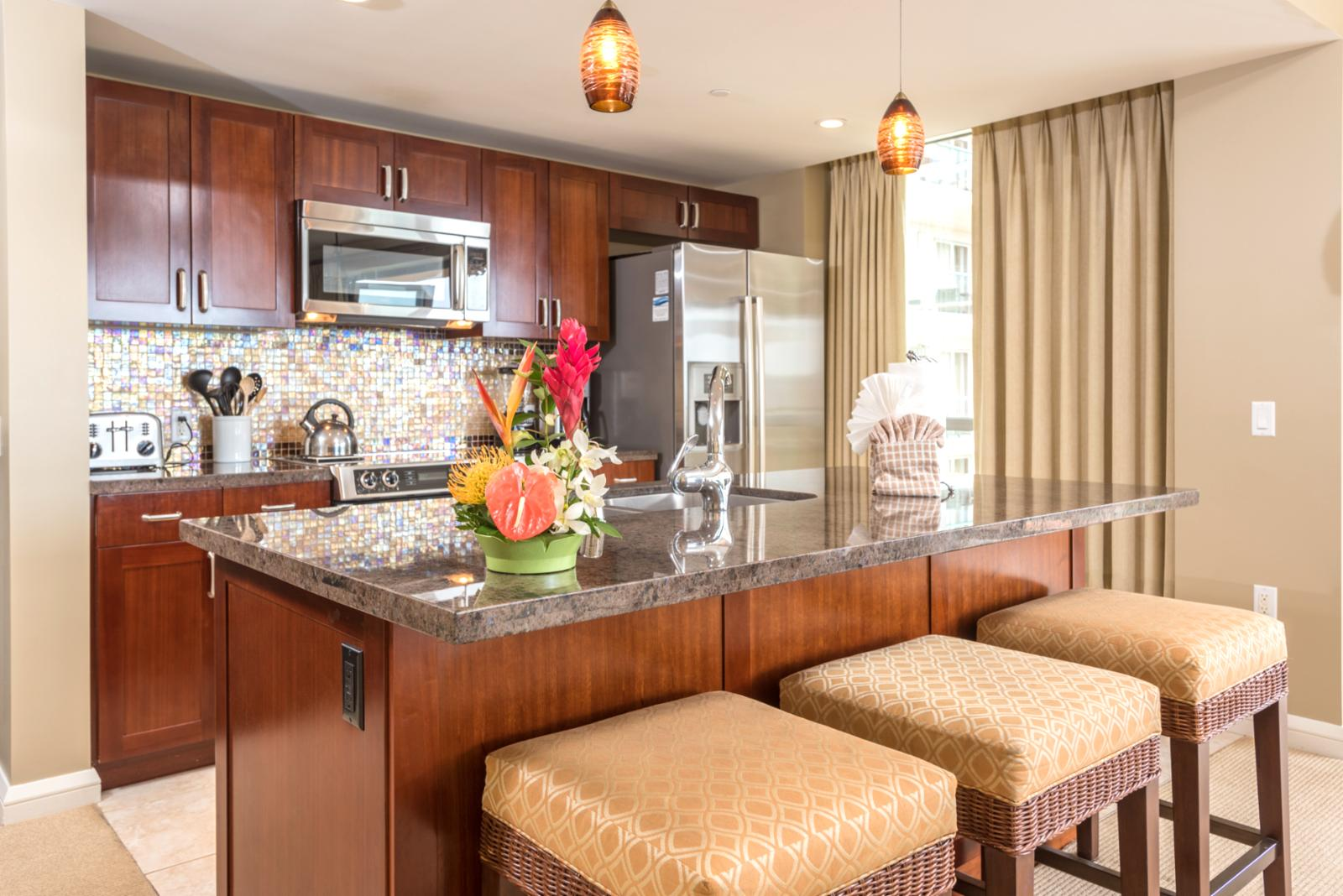 Breakfast bar seating for (3) with crisp ocean views