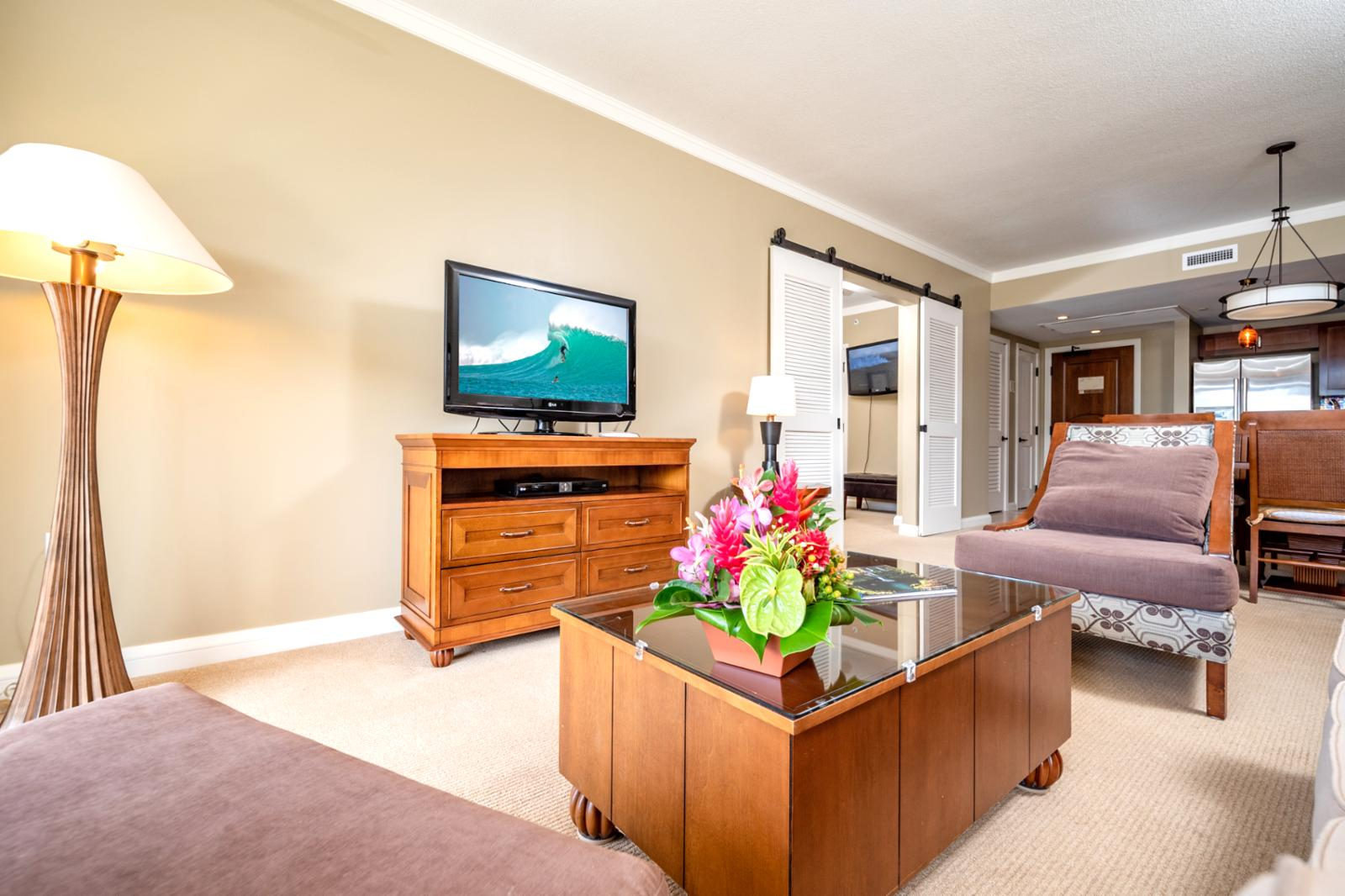 Enjoy central zone AC and large flat screen television in your living room