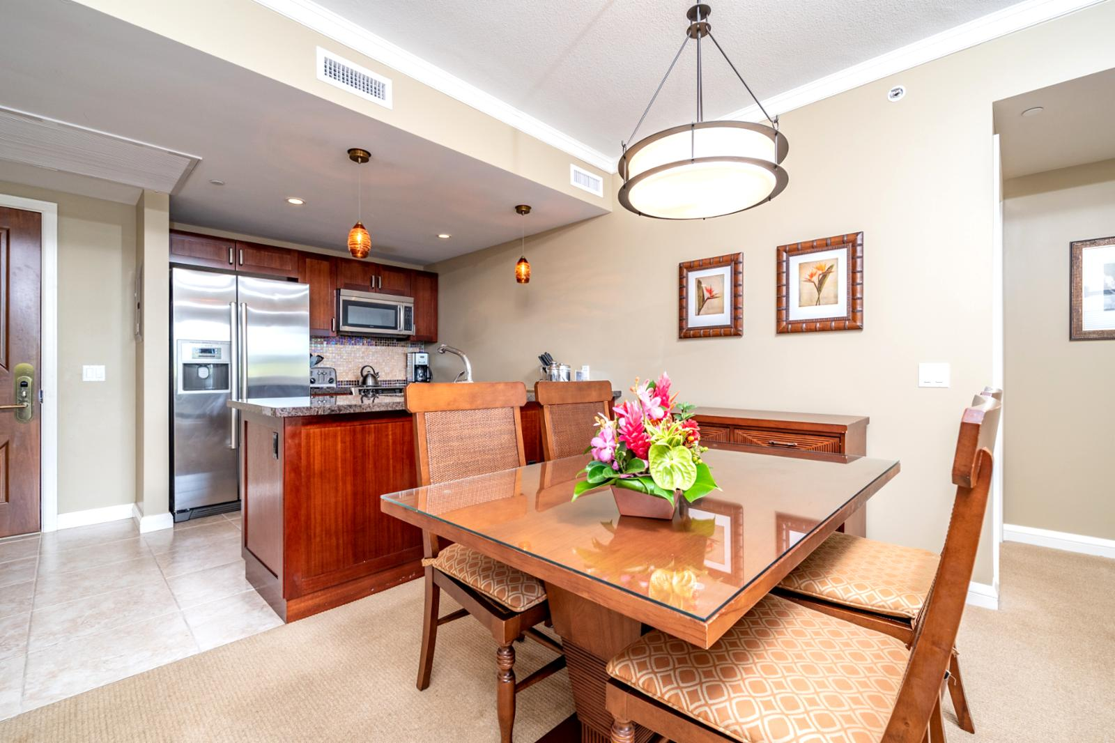 Formal dining room seating for (4)