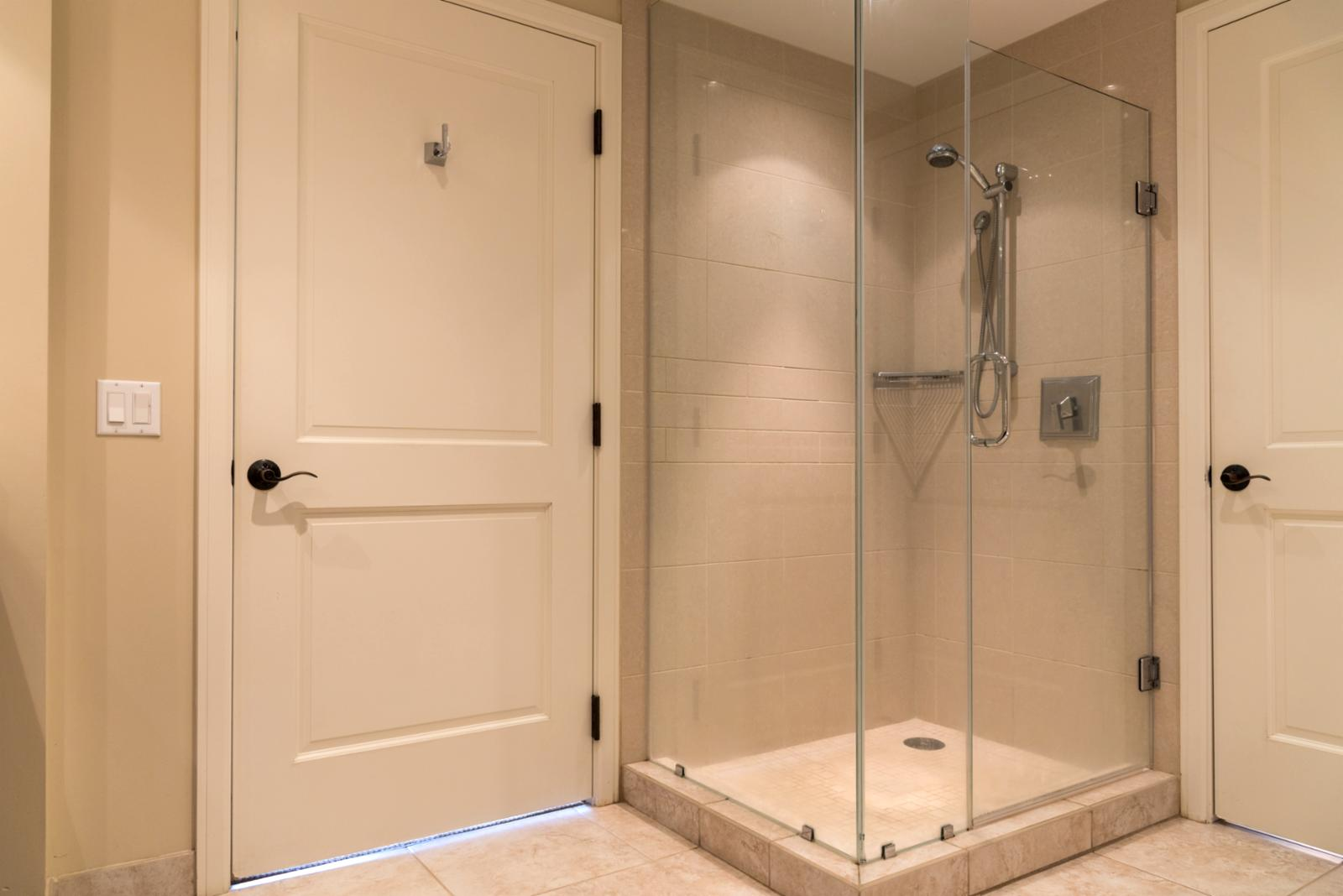Floor to ceiling glassed shower