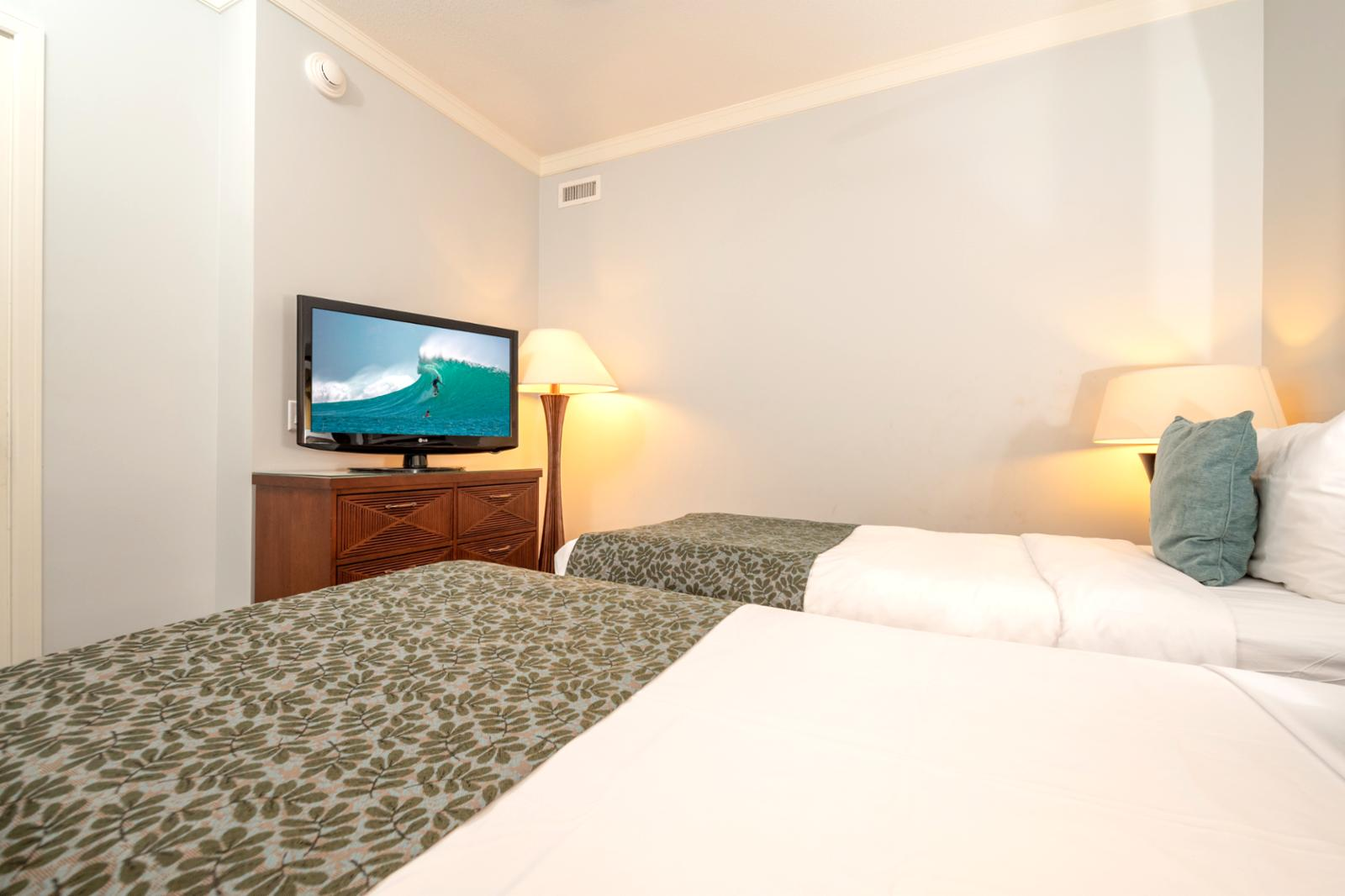 Large flatscreen television and ample storage for guests