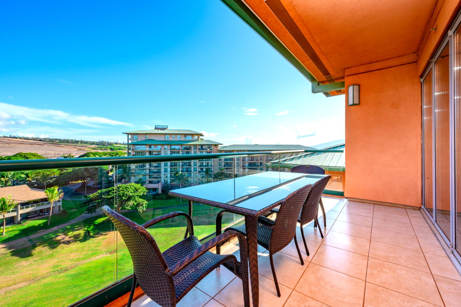 Lanai Seating with balcony views