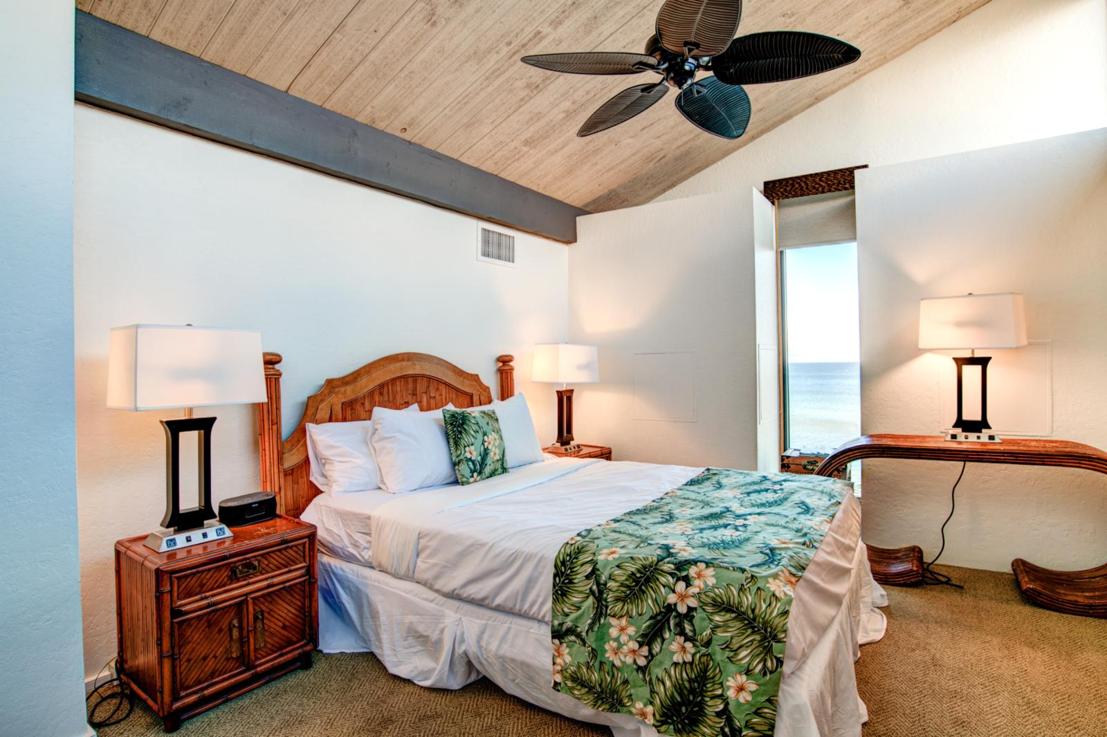 Beautiful oversized loft with ocean views and upgraded ceiling fan