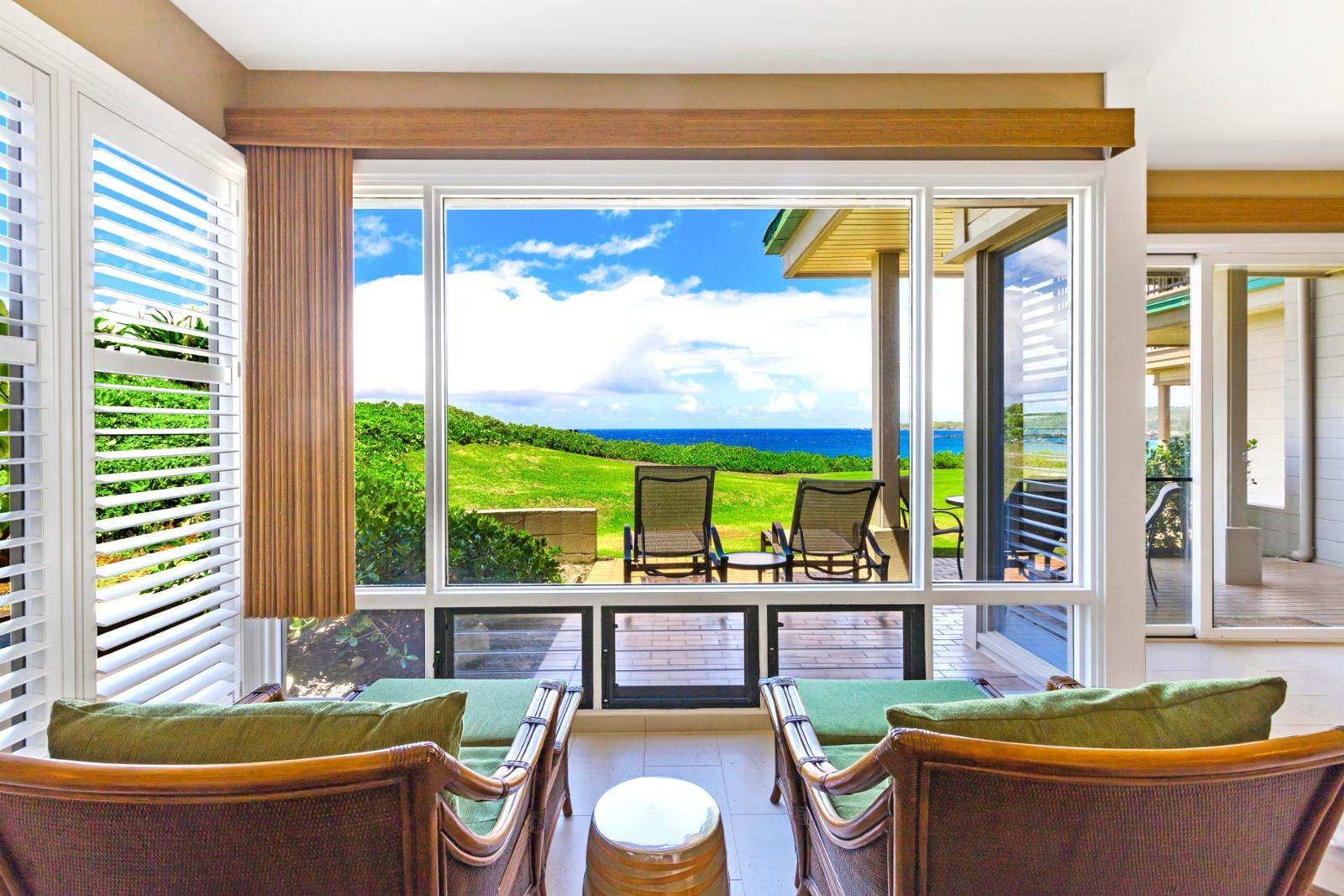 Floor to ceiling windows, listen to the ocean!