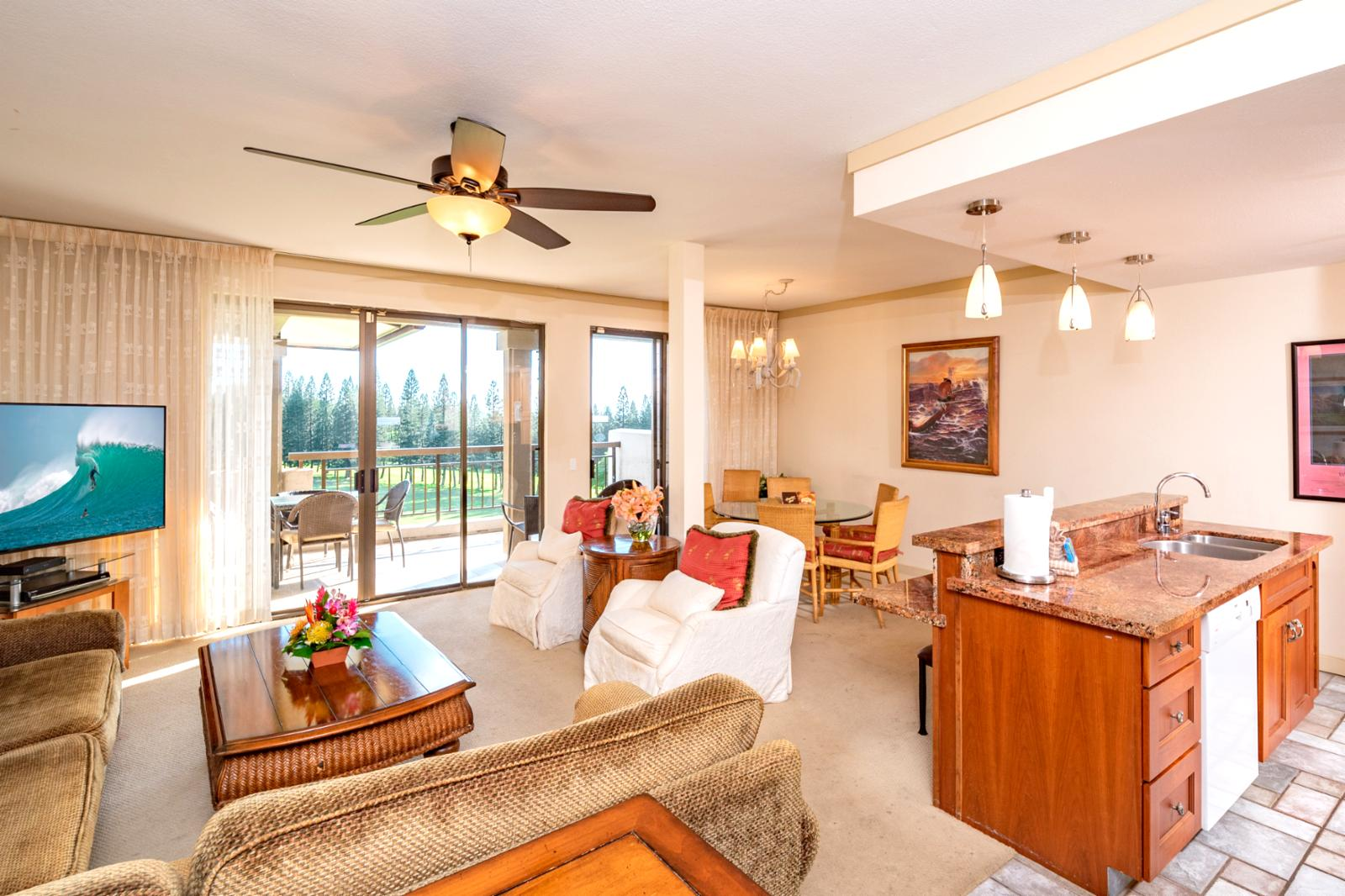 Equipped with ceiling fans and oversized layout, perfect for families!