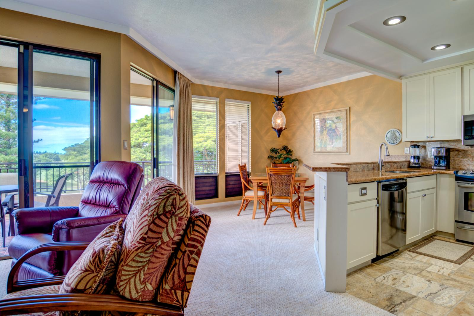 Open entry to kitchen and formal dining room