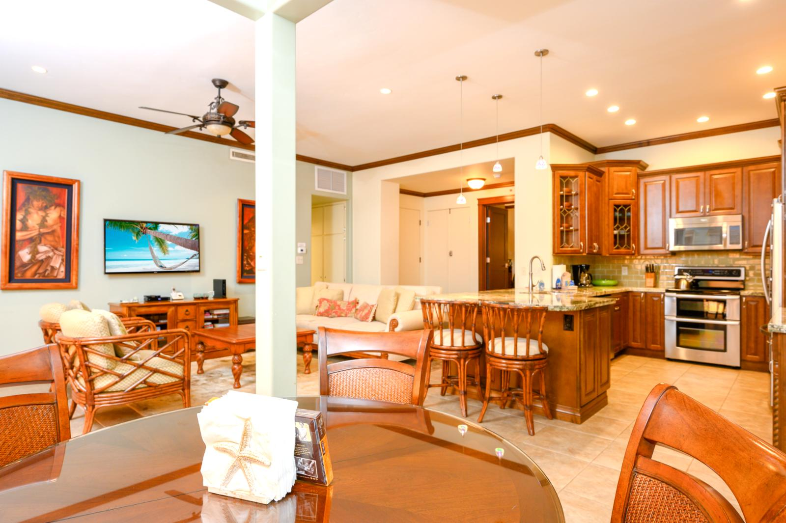 Kitchen with breakfast bar, seating for 2
