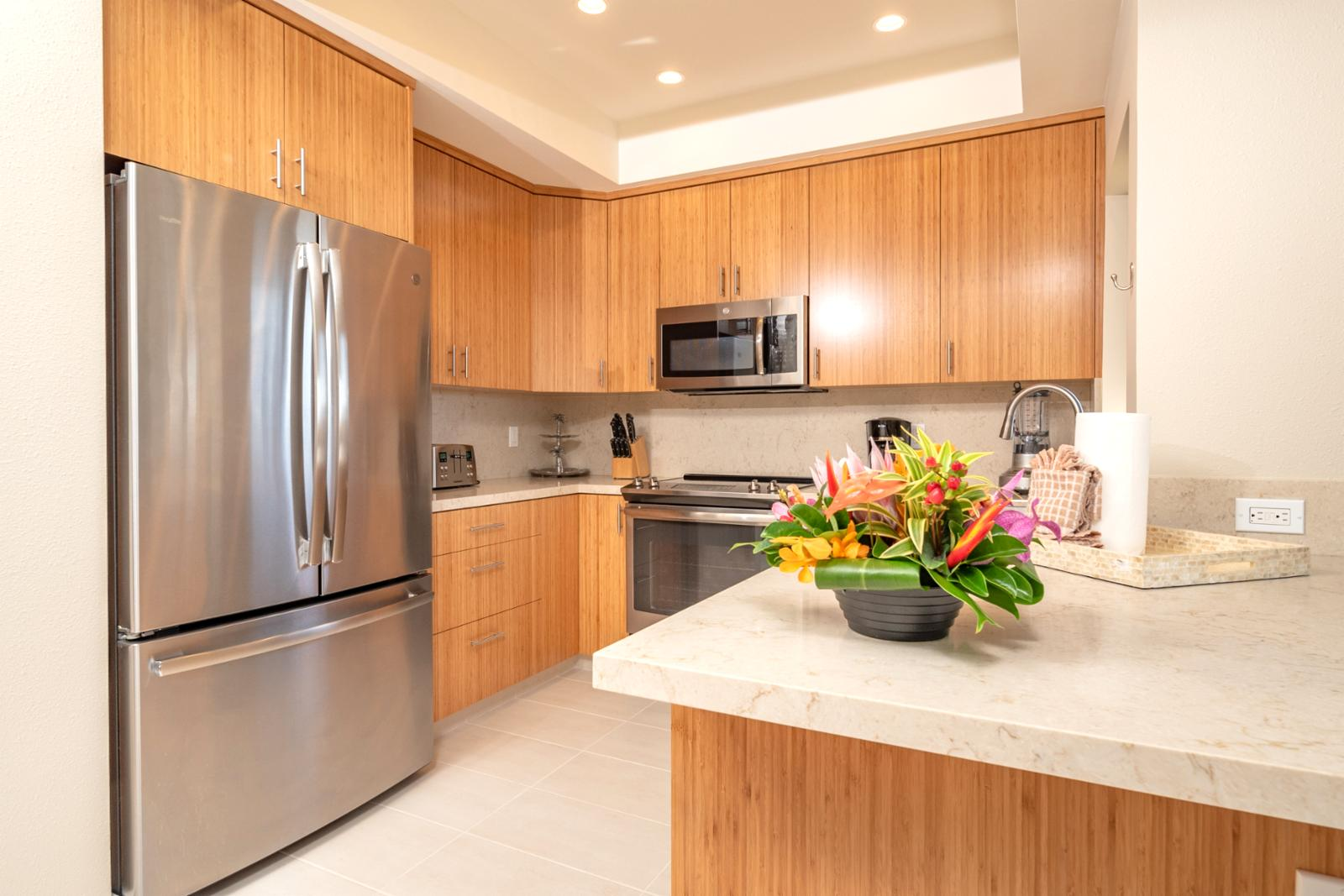 Stainless appliances throughout