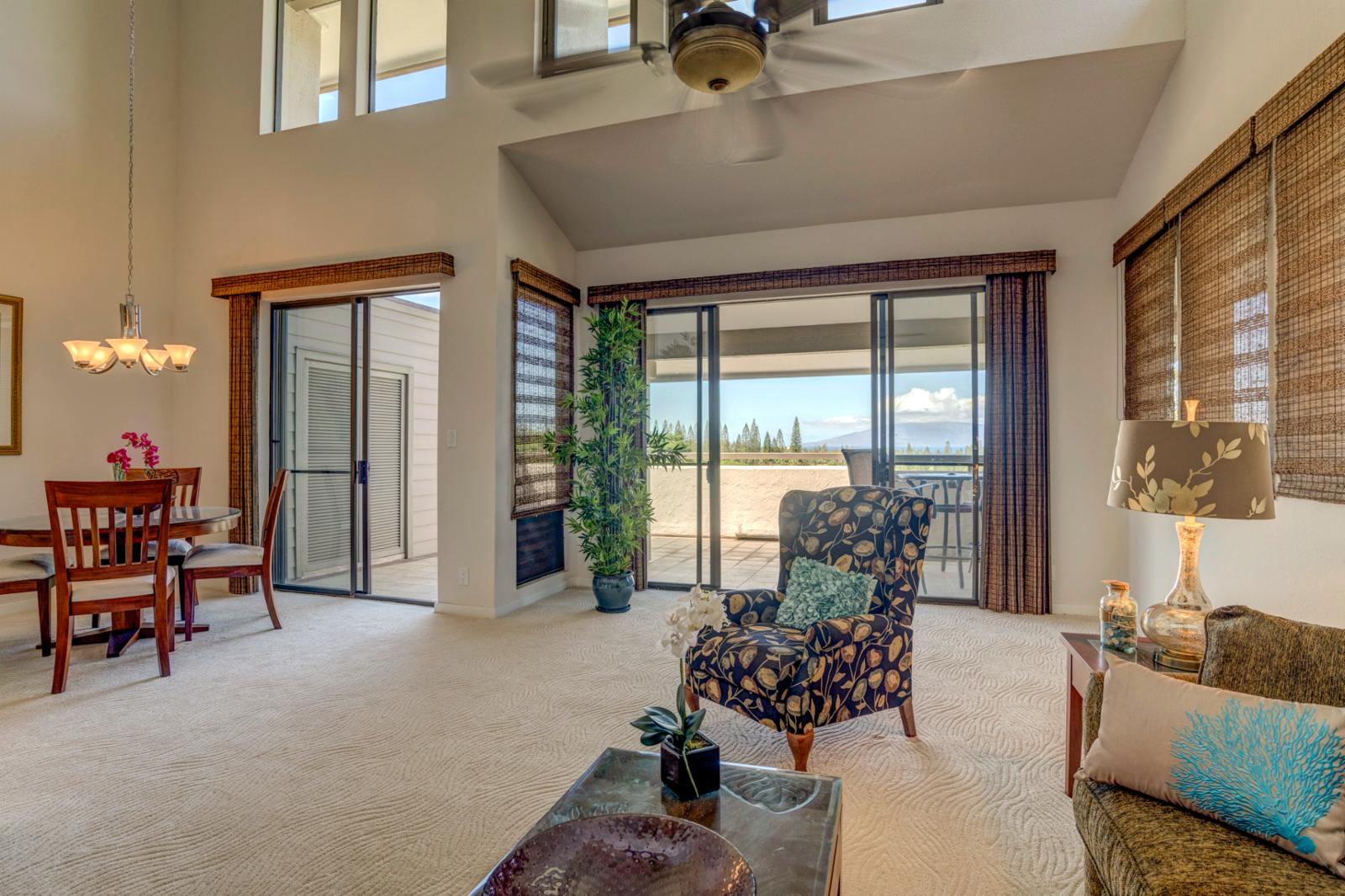 Rare skylights and vaulted ceilings, dual sliding doors out to lanai