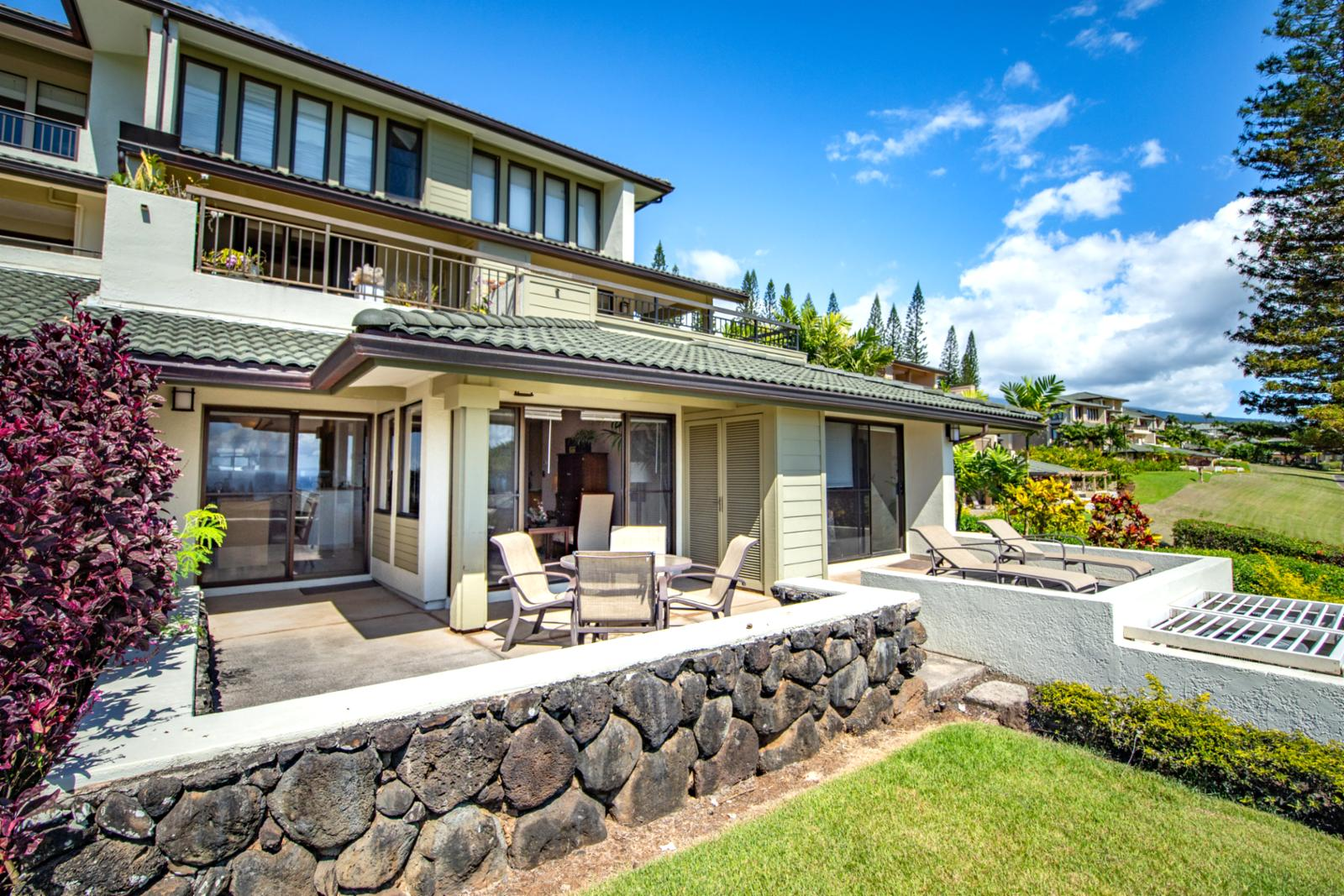View of the entrance of your Maui getaway!