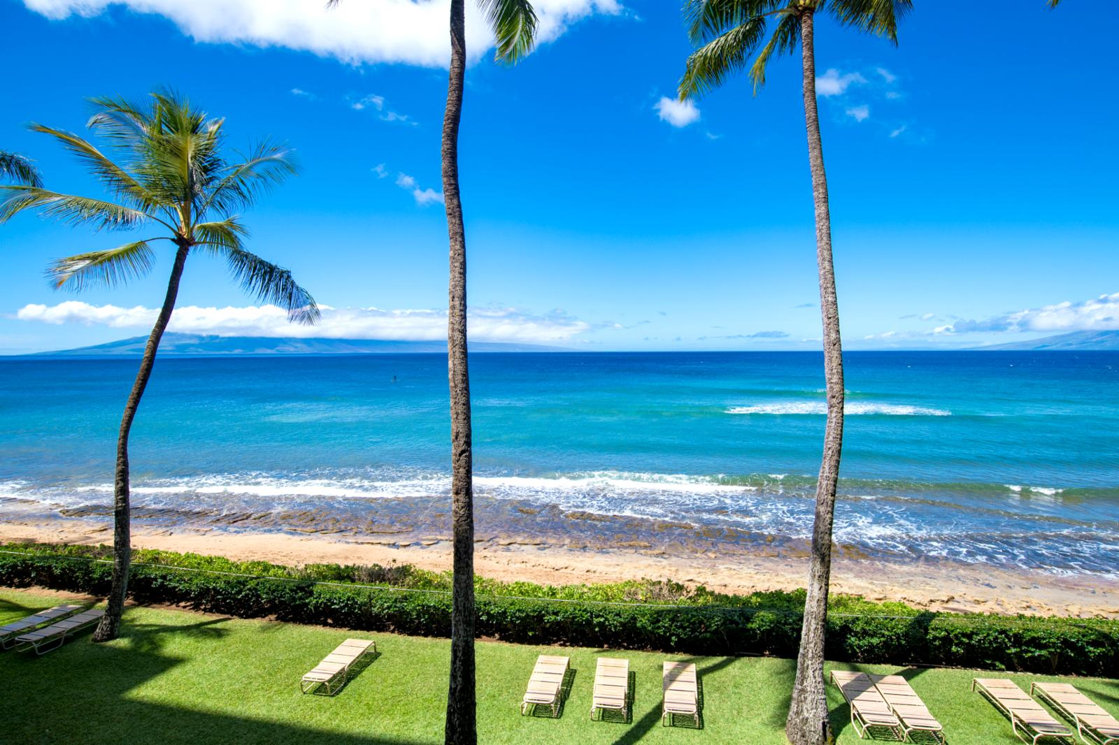 Epic studio, Lanai and Molokai views jaw dropping aqua marine views!