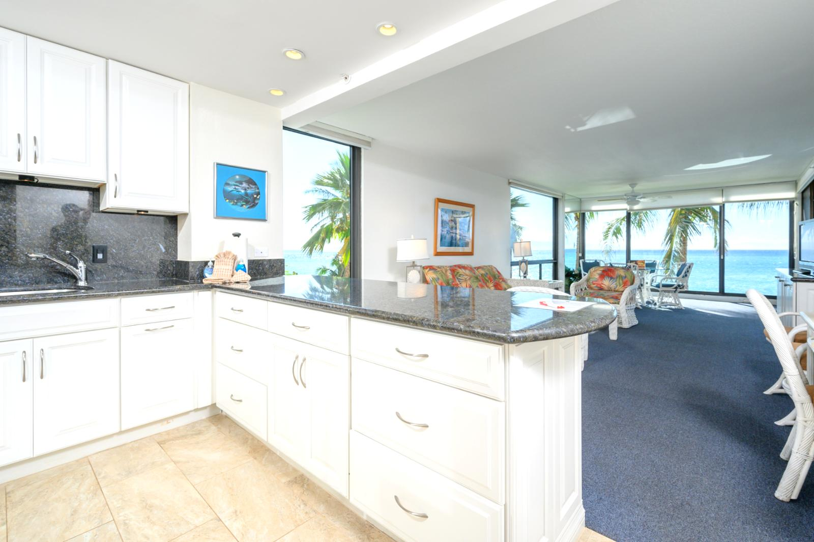 Sweeping ocean views, listen to the waves just a few yards away!