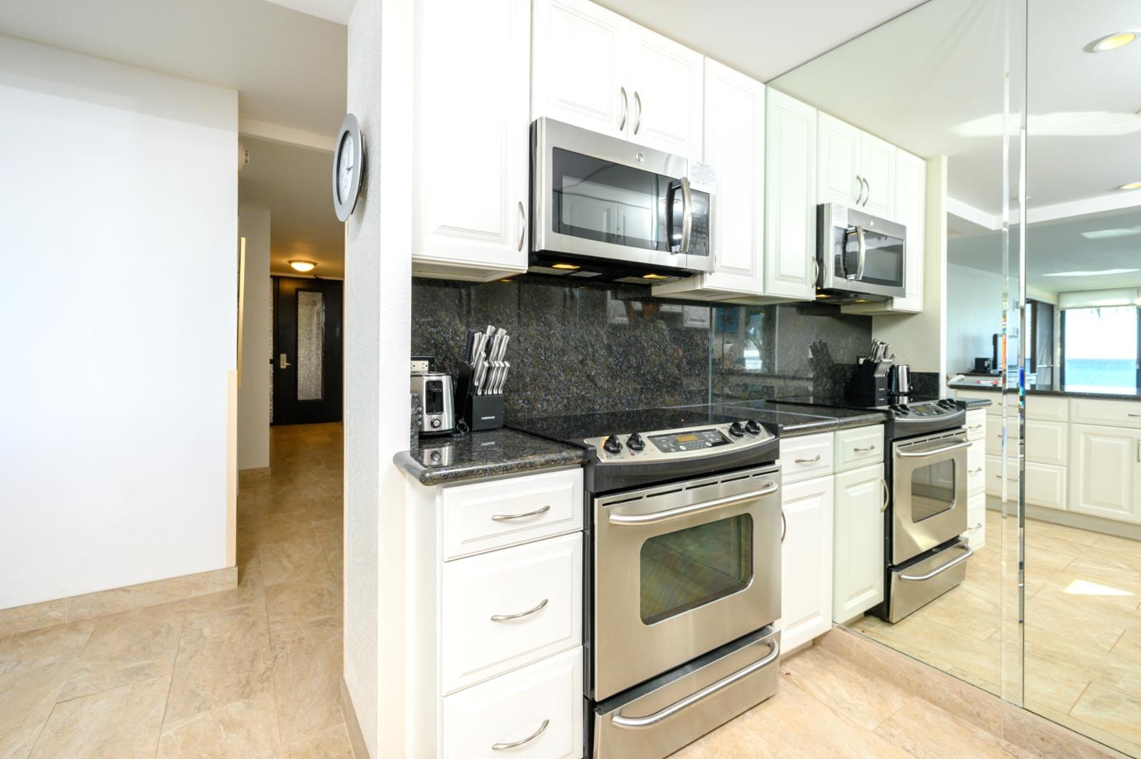 Upgraded stainless appliances throughout