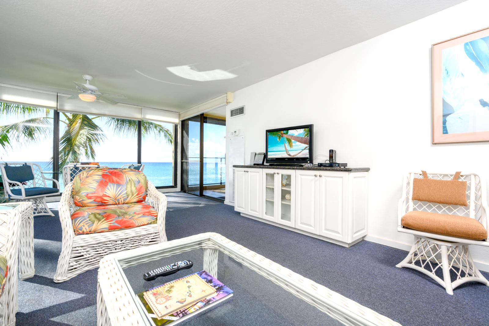 Beach chic interiors and authentic Hawaiiana artwork