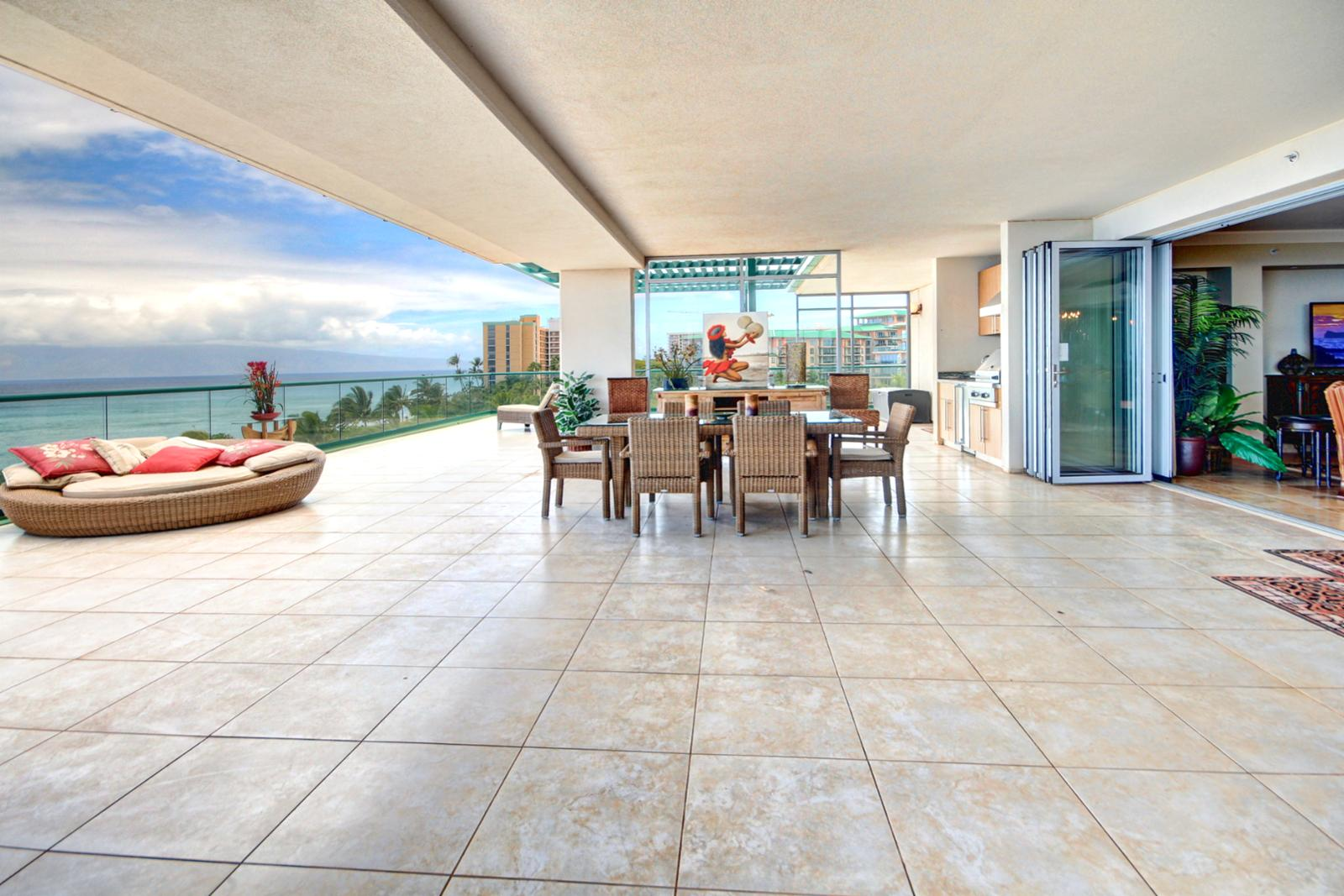 Expansive lanai that could host an intimate private dinner.