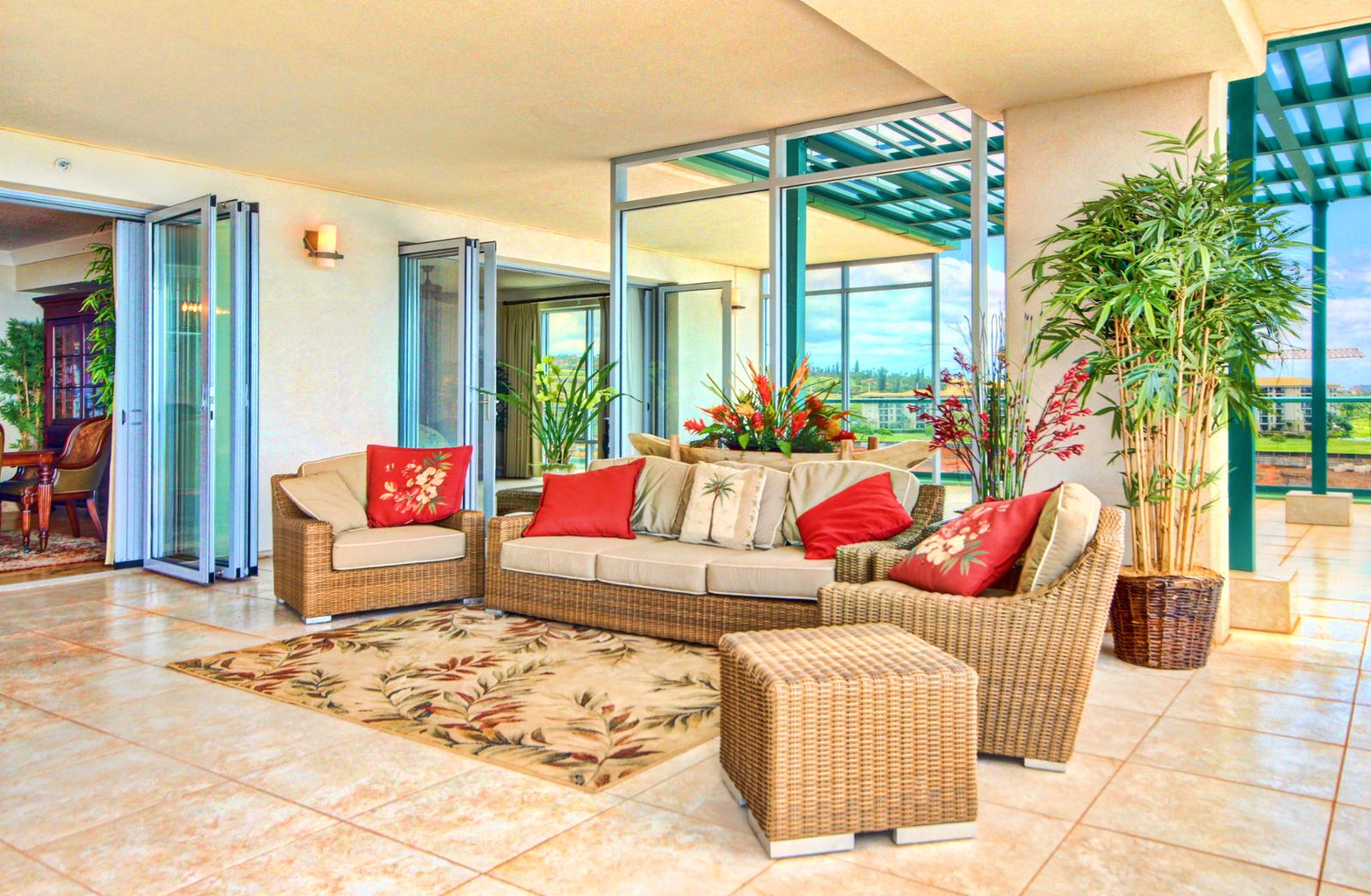 Outdoor living space you can enjoy the fresh Maui breezes.