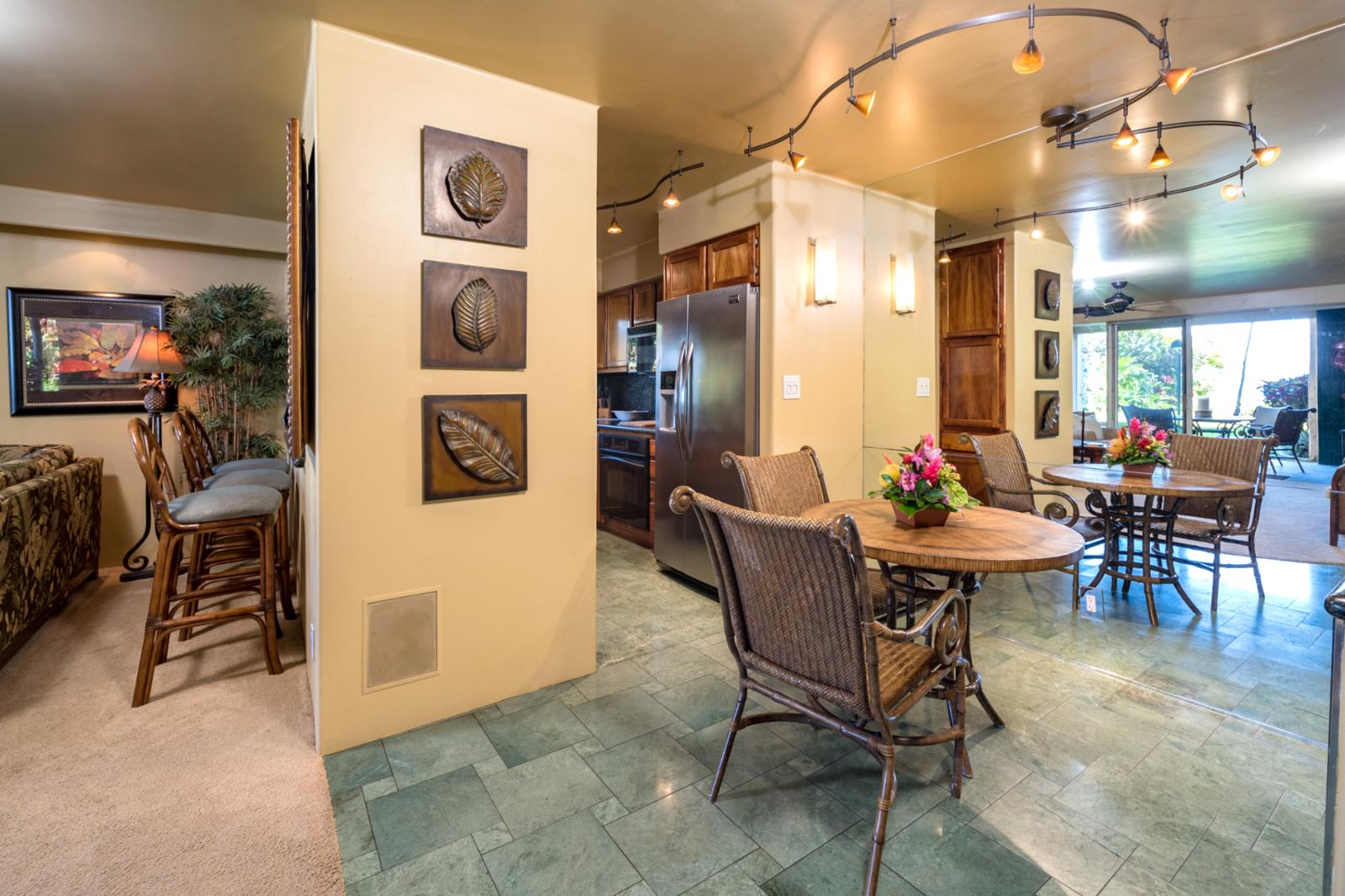 Additional seating areas, breakfast nook and additional dining seating for (2)