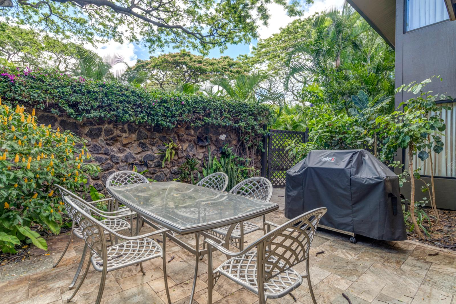 Private BBQ area with outdoor seating for (2)! Two private lanai areas!