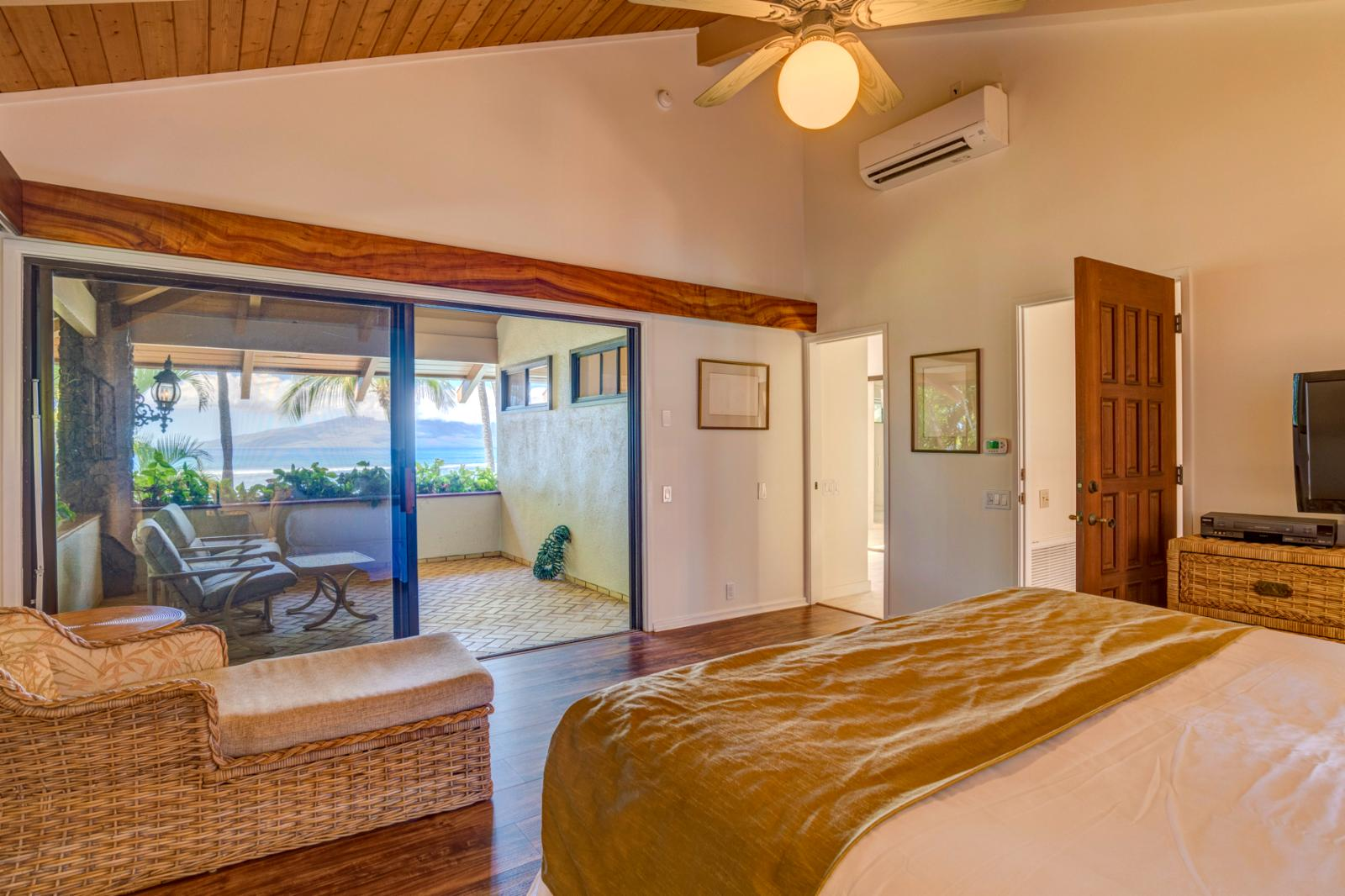 Entry to your private lanai and bathroom suite
