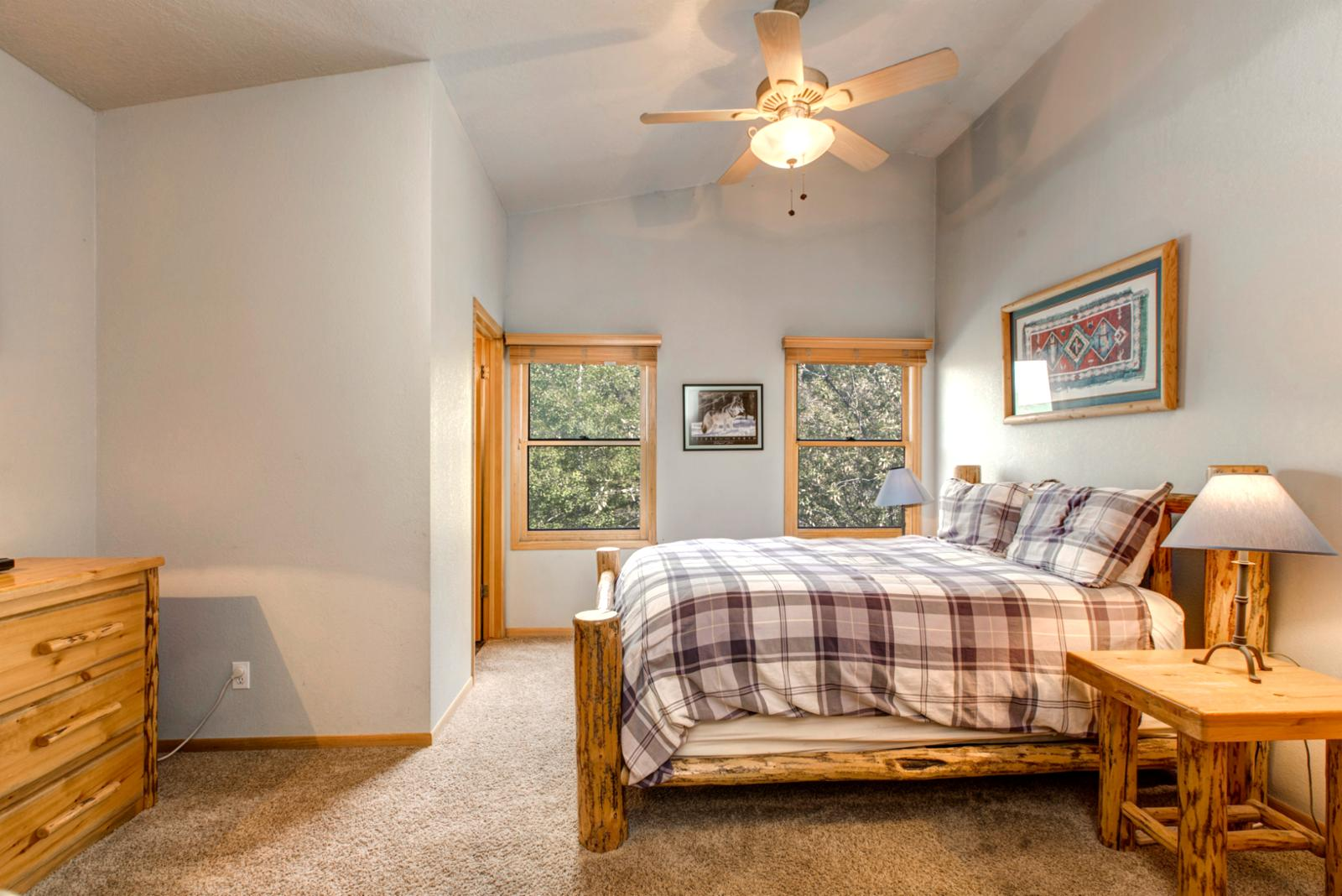Queen bedroom with en suite and vaulted ceilings to add extra spaciousness