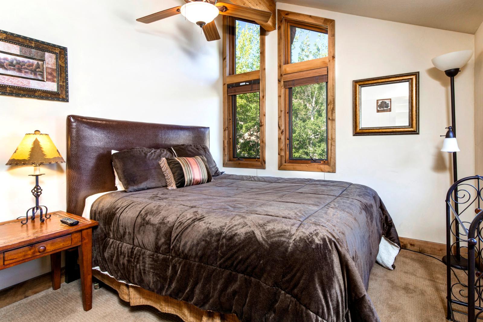 Mountain elegant Queen bedroom